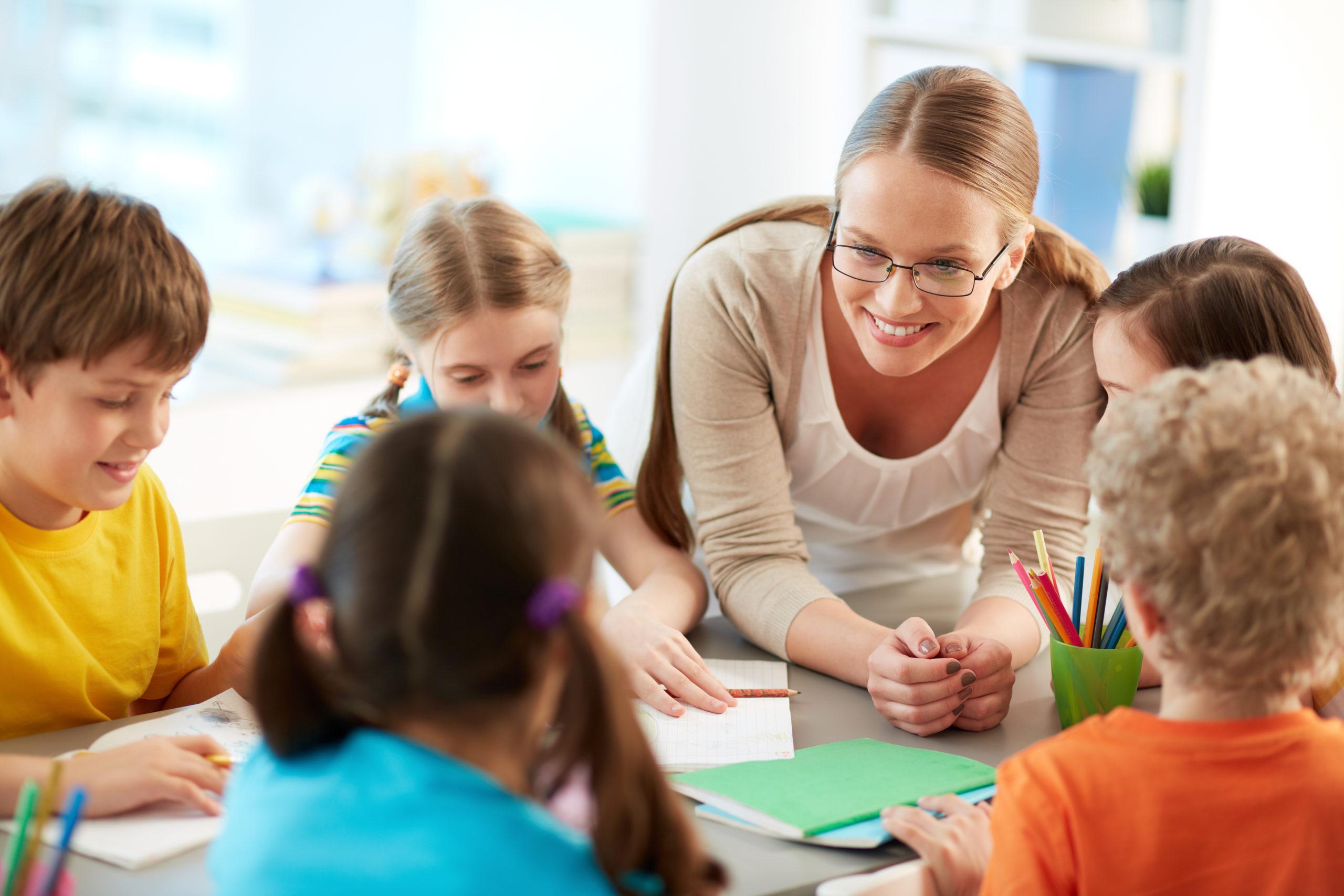 幼稚園・保育園向け             英語プログラム開発